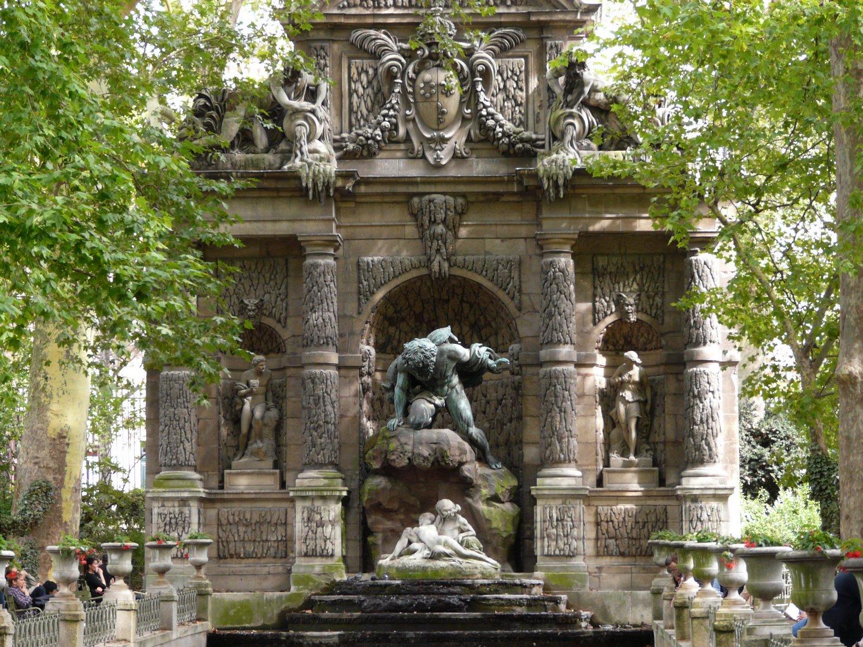 plus belles fontaines de Paris Medicis